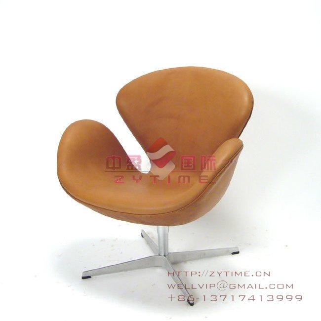 高档天鹅椅,布艺椅,最实惠的雅各布森设计的天鹅椅 不看不知道,一看吓一跳,原来上海还有这么便宜实惠的天鹅椅. 天鹅椅的图片,设计,价格,目录统一由中盈家具厂提供 天鹅椅,布艺椅,玻璃钢椅,酒店会所椅,咖啡椅是休闲椅的一种,价格优惠。 玻璃钢内胆,加包高档绒布。 天鹅椅,布艺椅,玻璃钢椅,酒店会所椅,咖啡椅是由广东省中盈家具发货提供应 产品尺寸:64*71*80CM 材料:玻璃钢+高档绒布+铝合金脚 包装:纸箱+木架 适用场所:酒店,会所,咖啡厅,餐椅等高档休闲娱乐区。 业务联系:王小姐,158177666